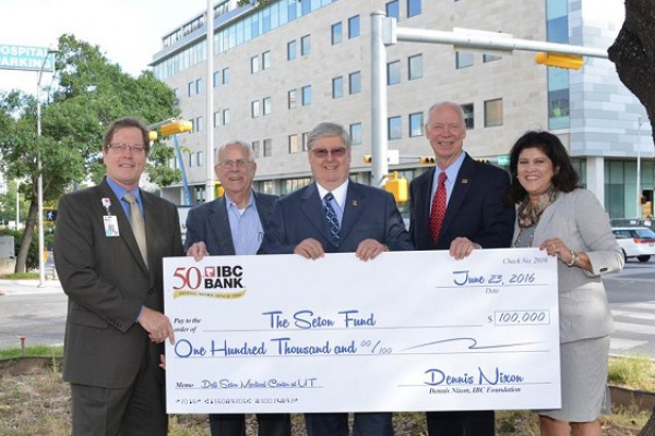 Image for IBC Bank Donates $100K to Future Hospital