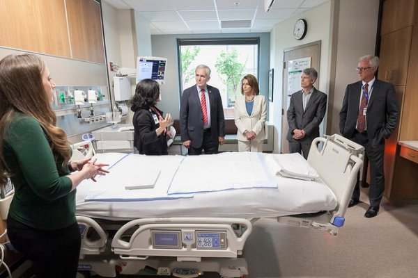 Image for Seton leader reflects on Pelosi, Doggett visit